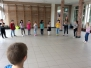 We kregen een lesje drama van Katinka een meisje uit het 6e lj.: 1e graad april